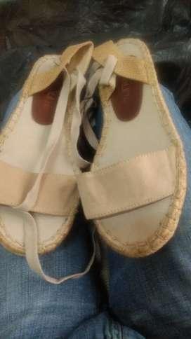 Sandalias nuevas talla 36