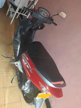 Vendo moto suzuki modelo 2015