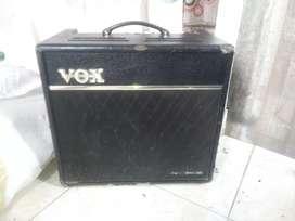 Planta de guitarra .amplificador vox valvetronix serie vt 80  + valvular 120w negro