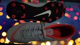Pupos Nike original mercurial