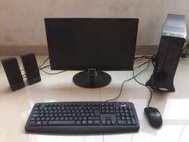 COMPUTADORA CASI NUEVA CON PARLANTES INCLUIDOS // INTEL INSIDE, 4 GB DE RAM Y 500 GB DE ALMACENAMIENTO