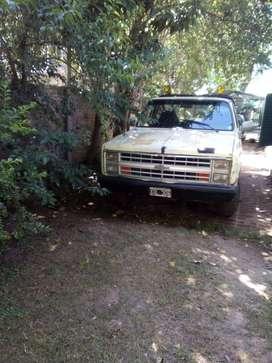 Chevrolet C10/86 Nafta/GNC Caja de 4 motor reparado bien de gomas llantas cromadas
