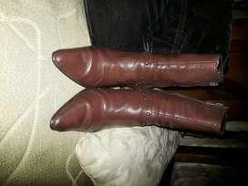 vendo botas cuero dama cortas
