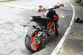 KTM Duke 390 version R