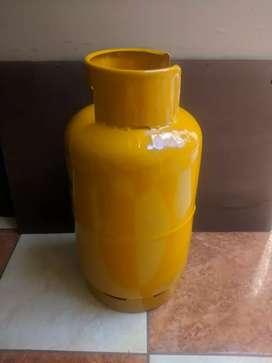 Se vende cilindro tanque de gas blanco o amarillo
