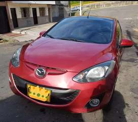 Ganga se vende Mazda 2 siniestro en Muy buen estado y barato