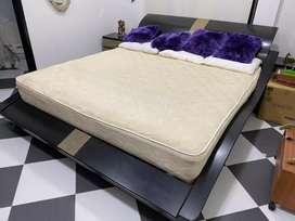 Se vende cama y colchon