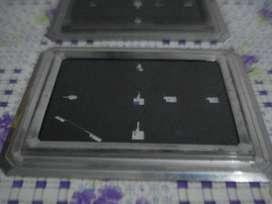 Dos Portarretratos Metalicos Aluminio Fotos 13x18 P/colgar