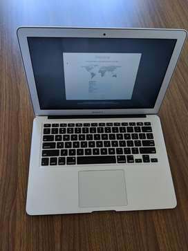MacBook Air 13.3 pulgadas. 128 GB. Intel Core i5. Nueva. Open box