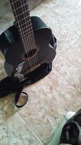 Vendo guitarra negra