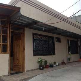 INMUEBLE RENTERO (Casa independiente. + 3 departamentos)