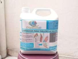 Limpiador para tablero acrílico.