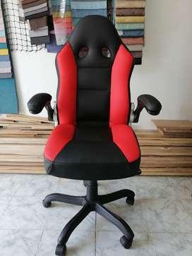 Se ofrece el servicio de Tapicería para sillas de oficina