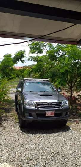 Toyota Hilux 2013 FULL EXTRAS
