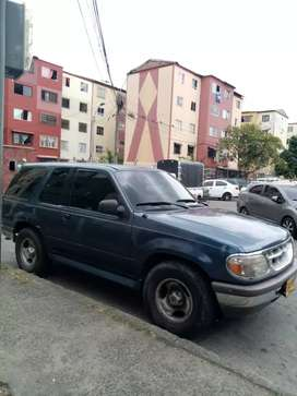 VENDO BARATO FORD EXPLORER MODELO 97,NEGOCIABLE BUEN ESTADO MOTOR 4MIL