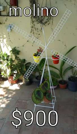 Molino en hierro para jardin