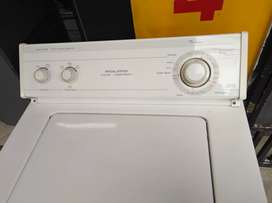 Lavadora Whirlpool americana 28 libras usada en muy estado