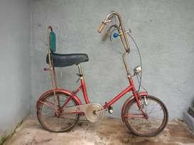 Bicicleta  antigua asiento de banana