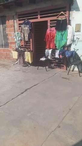 Lote de ropa y calzados