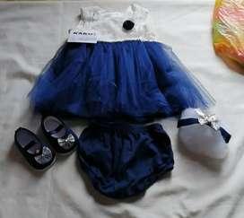 Vestido de bebé con zapatos