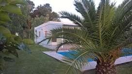 Casa en PUEBLO ANDINO Santa Fe AIRE ACONDICION, Piscina 36 mt2 espejo agua, terreno 795 mts.