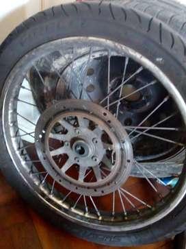 Rueda delantera ´18 +neumatico pirelli supercity 80-100-18