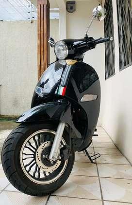 Vendo motoneta Milano 150
