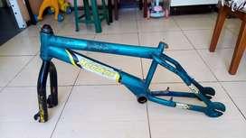 Marco bicicleta BMX rin 20