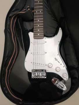 Guitarra y amplificador FENDER