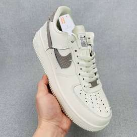 Tenis Nike Air Force One Low LXX