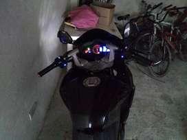 Se vende moto pulsar RS200
