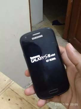 Samsung Galaxy S3 Mini.