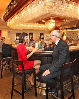 Srta. Buena presencia para atencion en Bar Restaurant