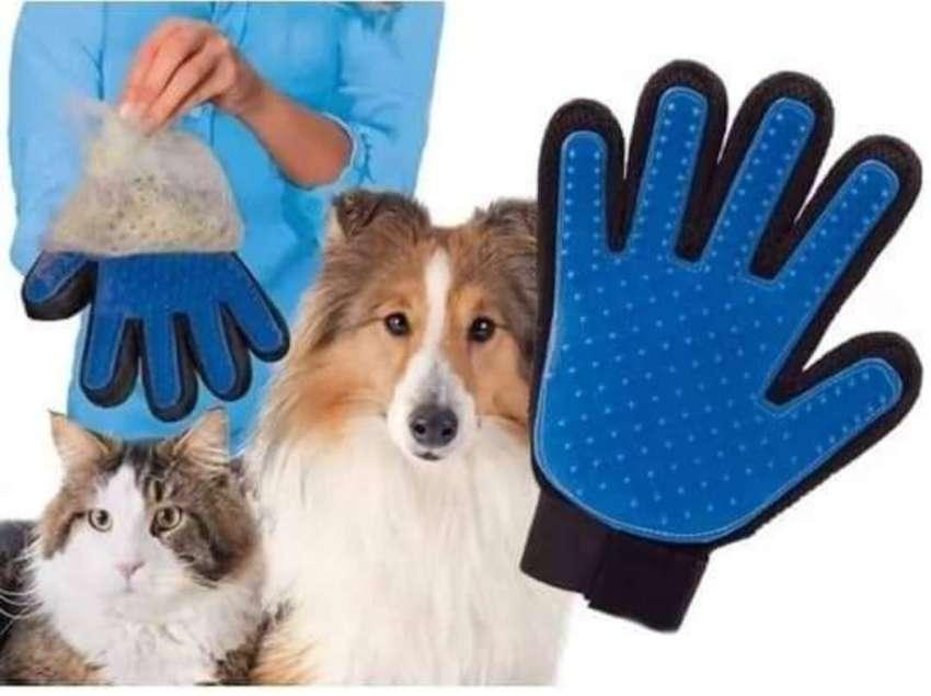 Guante True Touch Para Peinar Acariciar Gatos Y Perros
