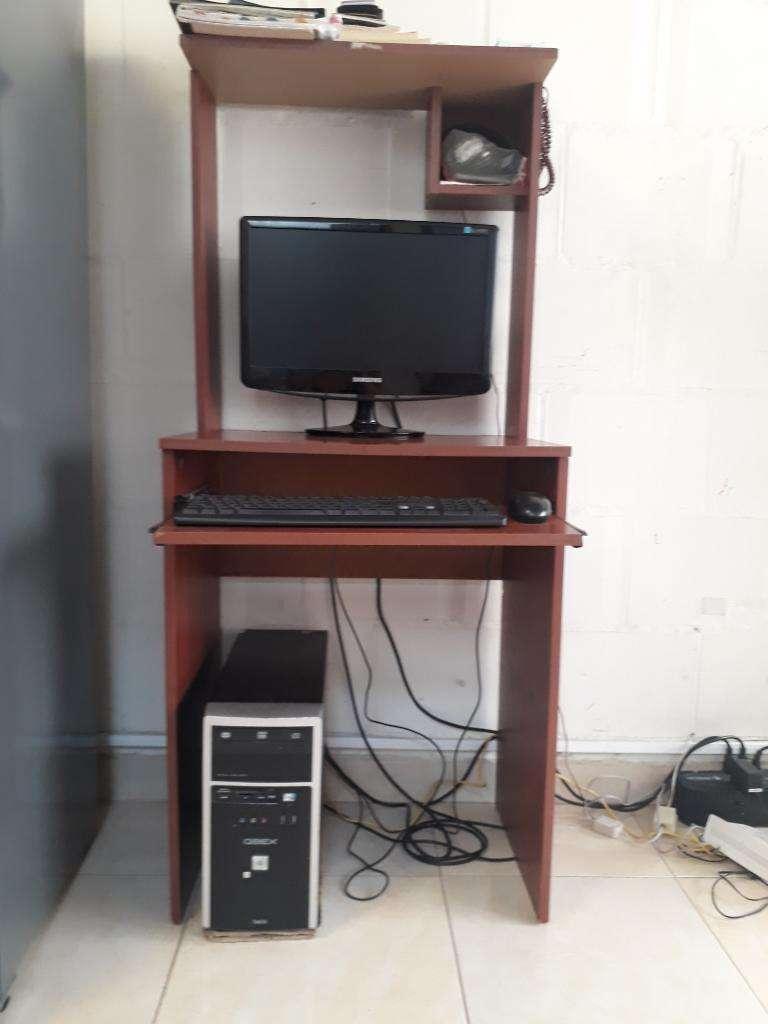 Vendo Computador Incluye La Mesa 0