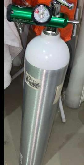 Cilindro de oxigeno con regulador en perfecto estado