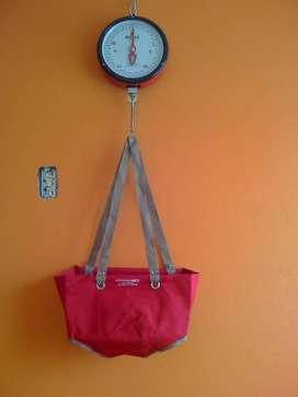 Balanza pediatrica tipo reloj con calzoneta nueva
