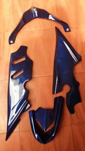 tapas laterales de moto Yamaha Fazer