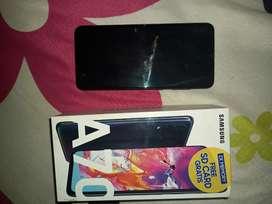 SAMSUNG A70(con caja) o cambio con iphone encimo diferencia