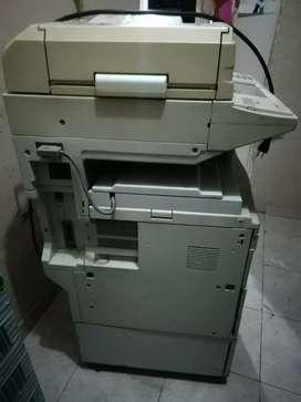 Fotocopiadora  Ricoh  digital prende negociable