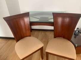 Comedor de 6 puestos en madera con tapa en vidrio de 17mm