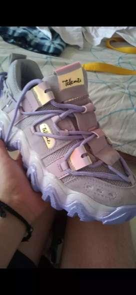 Zapatillas tellenzi snekers nuevas talla 39