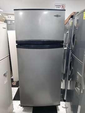 Hermosa nevera haceb assento gris con negro 410 litros