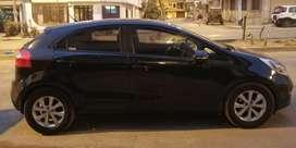 Venta de Auto Kia Río Automático Hatchback FULL Deluxe 2012 - Gasolina