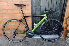 Bicicleta ruta cannondale súper six Evo carbono