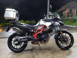Moto BMW GS 700, Excelente estado, poco kilometraje, Gris Oscuro.