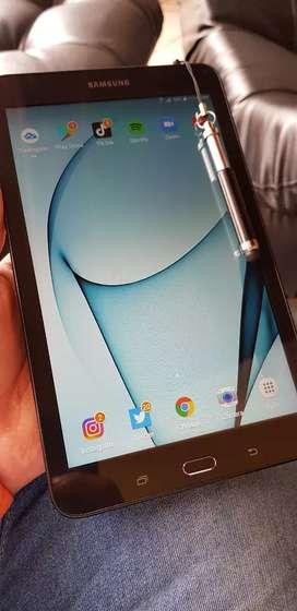 Galaxy tab E con simcard, 9.6 pulgadas libre y con lapiz