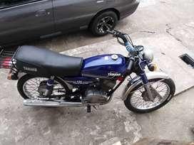 Yamaha en buen estado matrícula 2020