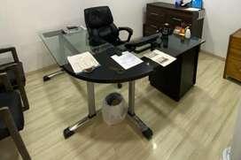 Escritorio para oficina o estudio