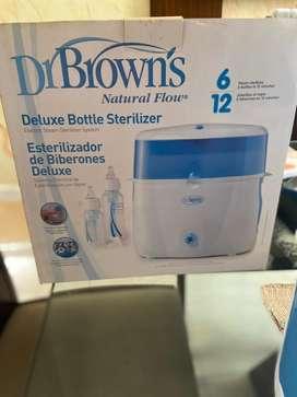 Vendo esterilizador de teteros en excelente estado marca dr browns